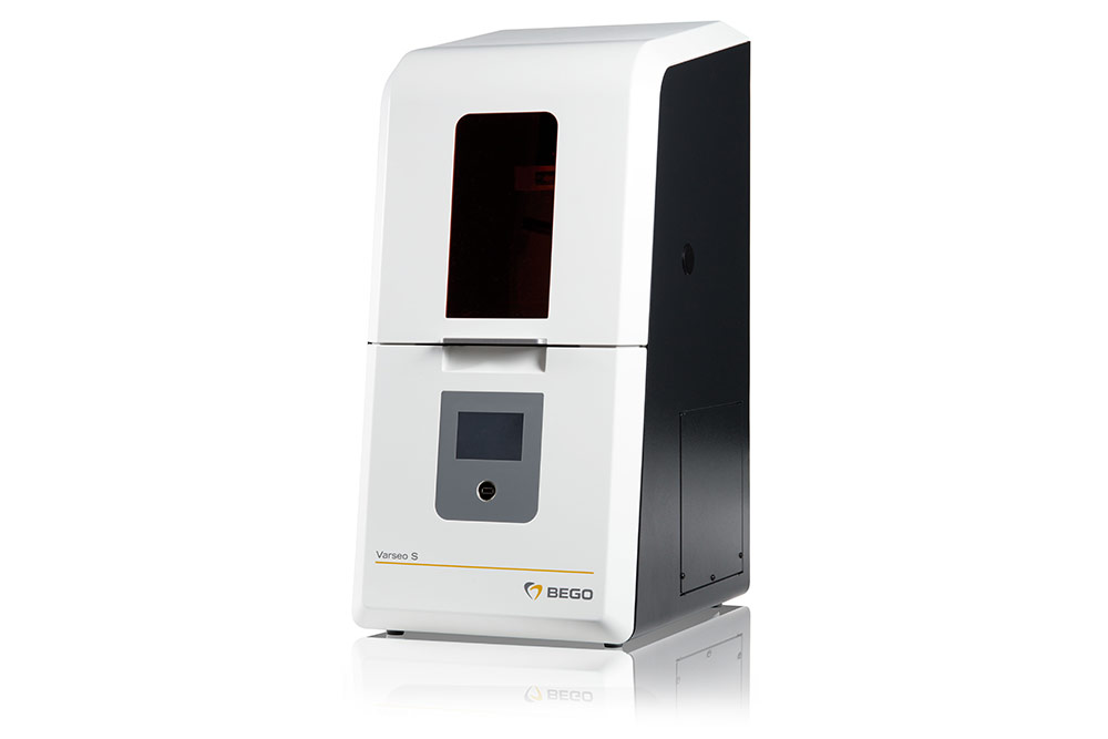 The new smart BEGO Varseo S 3D printing system offers validated processes from scanning to finishing.