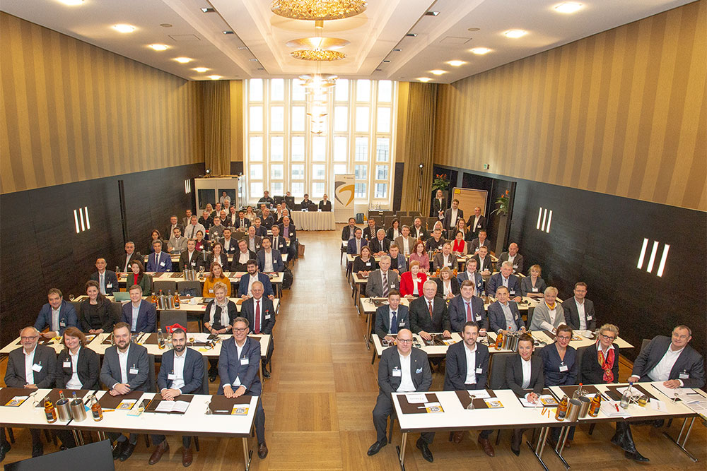 "Under the motto ""NEW WORK – NEW WAYS"", the participants of this year's dealers conference were offered exciting lectures, workshops as well as an intensive exchange with each other and with the BEGO experts."