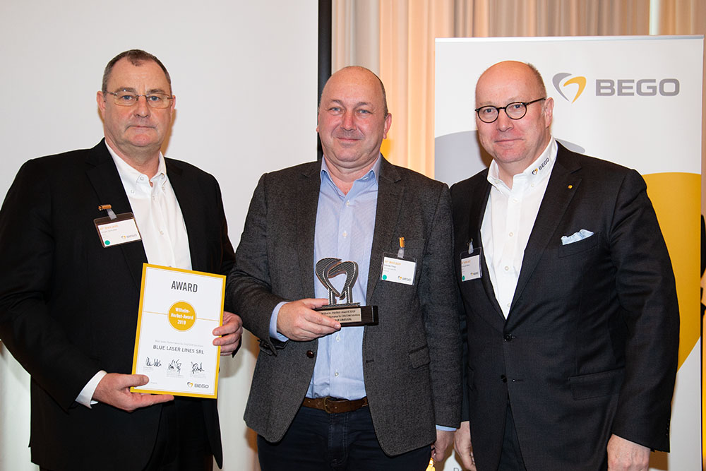 Mr. Cristian Foral, Sales Manager at Blue Laser Lines SRL, is pleased to receive the Wilhelm-Herbst-Award 2019 for the best sales performance in the field of CAD/CAM solutions